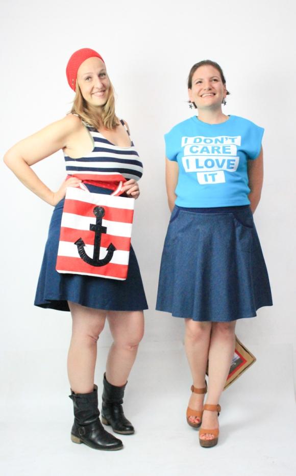 Meine Sachen:  Mütze: YOMAMA Kleid: Evetke  Tasche: ako Ruths Outfit muss ich erst erfragen. Aber bitte ist dieses Shirt cool?!