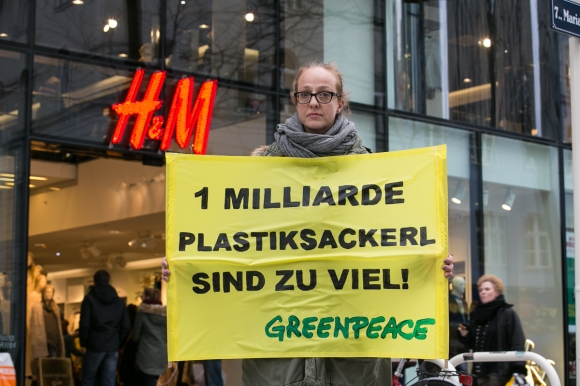 greenpeace_plastiksackerl2014-021