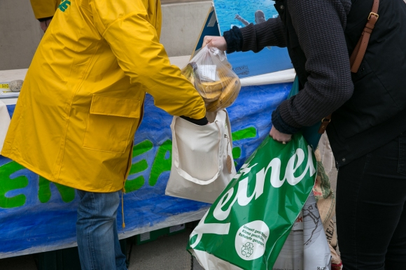 greenpeace_plastiksackerl2014-050