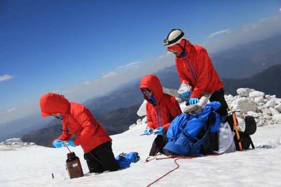 (c) Greenpeace, übrigens, die Ausrüstung der Expeditionsteams war natürlich PFC-frei! :)
